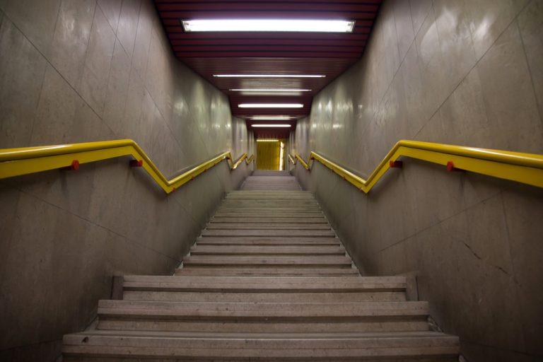 slip-trip-fall-subway-stairs
